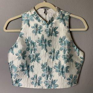 Endless Rose sz XS zip up floral crop top